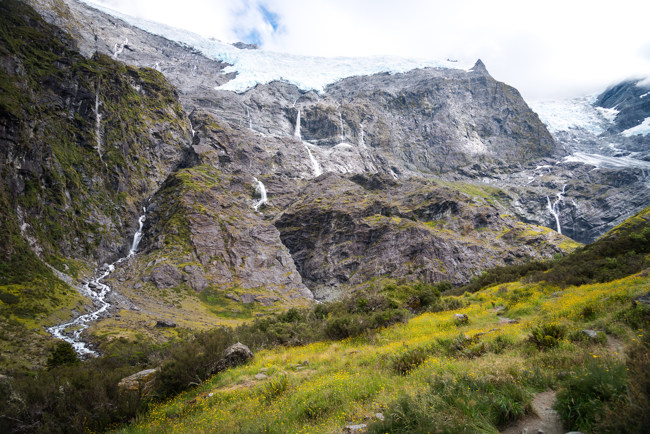 haast pass cloudy day